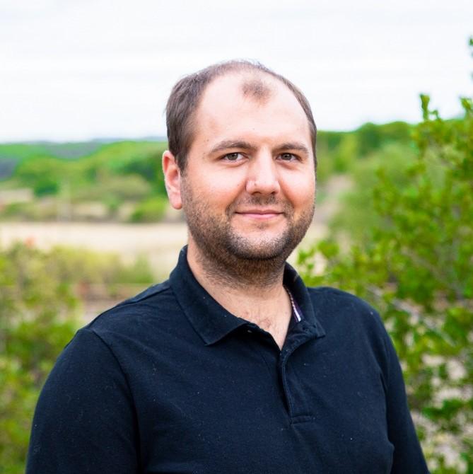 Dr Guillaume Manneveau